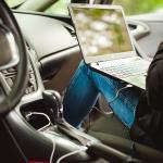 Bild Laptop im Auto - Außendienst